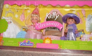 Kelly Dress Up Friends set