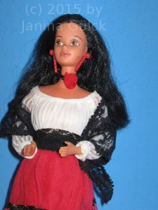Close up from my new Hispanic Barbie. Note the earrings used for Ebony or Black Barbie.